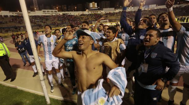 Tito manjarrez le contest al embajador de argentina for Ultimas noticias de la farandula argentina