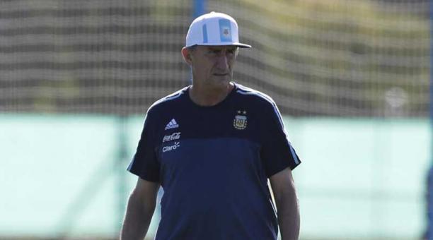 La esposa de bauza quiere que su hijo sea hincha de liga for Ultimas noticias de la farandula argentina