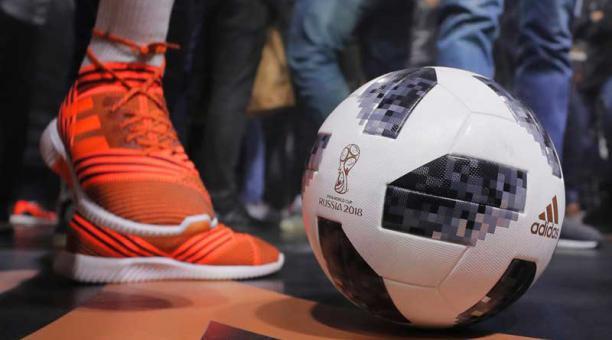 Detalle del balón oficial para el Mundial FIFA Rusia 2018 21a5a5c14e37d
