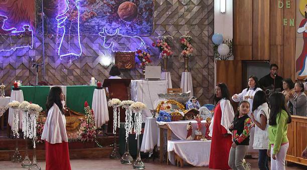 Las celebraciones eucarísticas en honor al Niño Jesús involucran la participación de monaguillos y de los diferentes grupos de cantores de la parroquia. Foto: ÚN